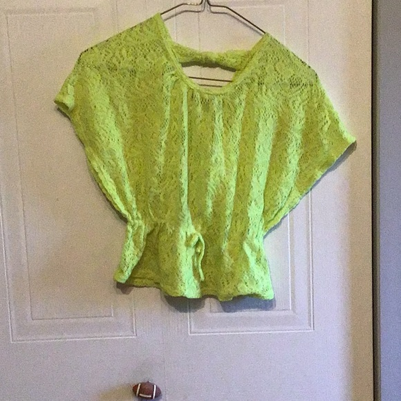 Cute neon yellow shirt tie in the back